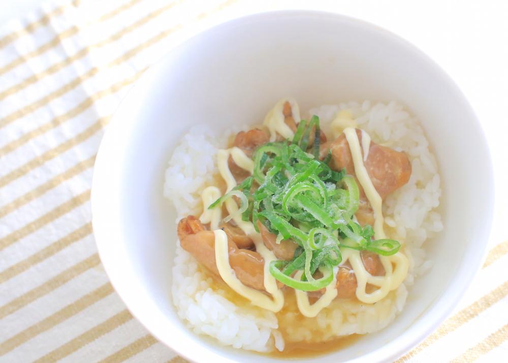 ズボラとりマヨ丼のレシピ