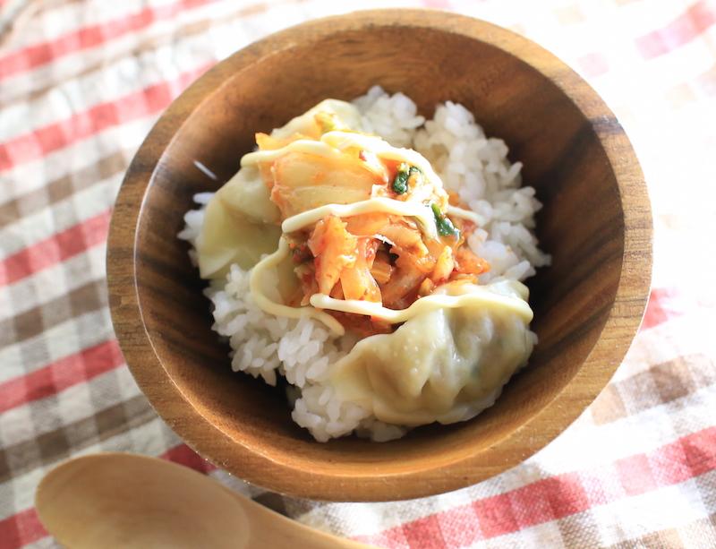 ズボラ飯餃子のっけ丼の簡単レシピ