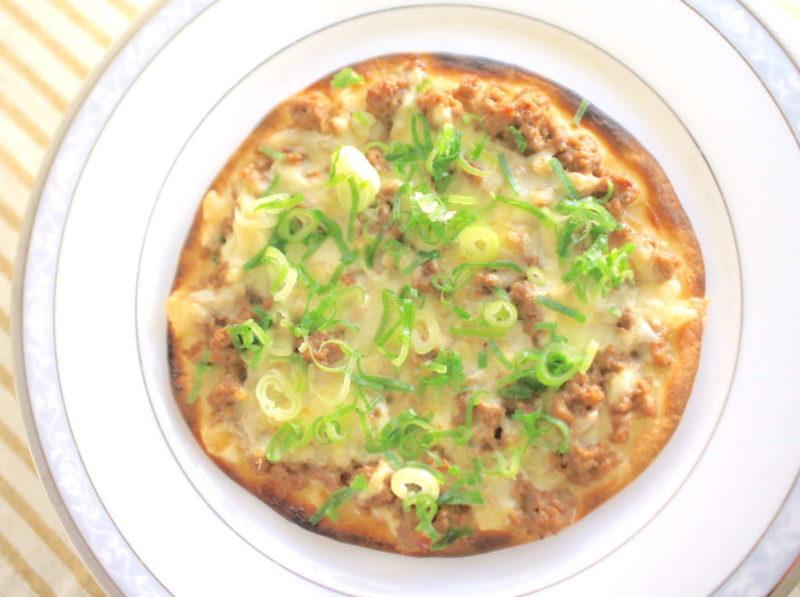 肉味噌チーズピザの簡単レシピ