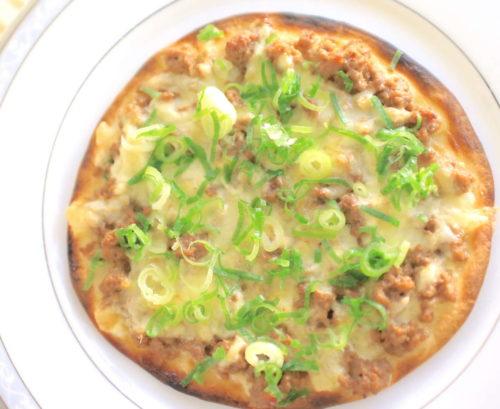 肉味噌チーズピザの完成