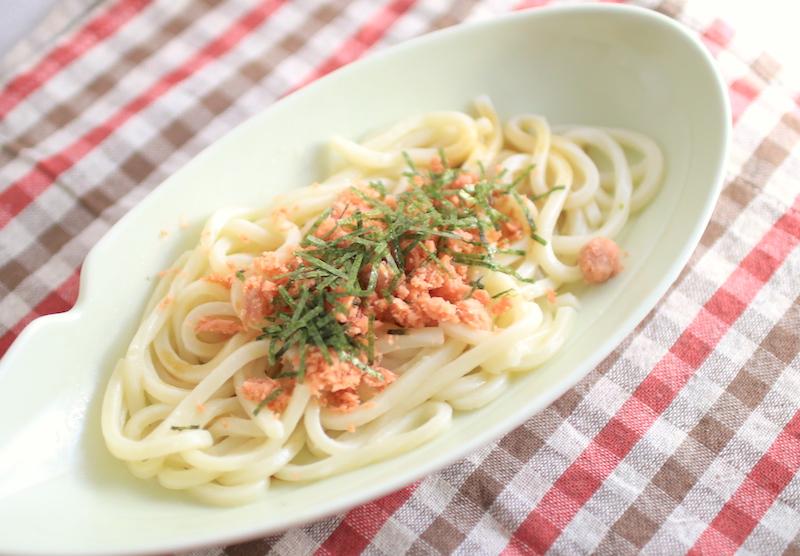ズボラ飯、鮭バターしょうゆうどんの簡単レシピ