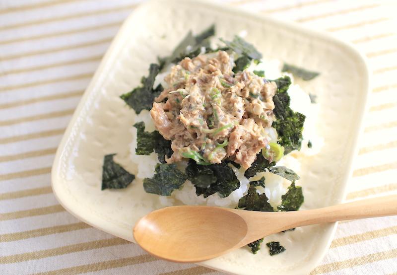 鯖味噌煮缶を使ったズボラ飯レシピ