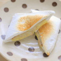 挟んで焼くだけ!はんぺんのツナチーズサンドの簡単レシピ